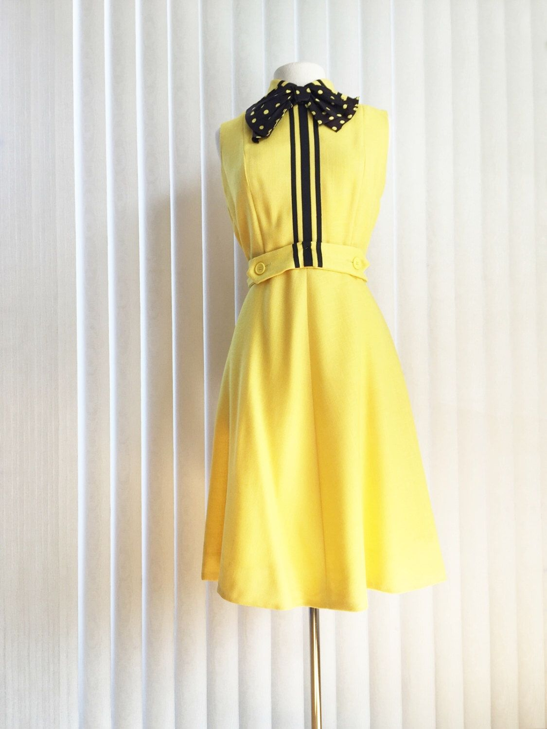 Vintage 60s Dress  Yellow Rose Garden Party Cotton Fit n Flare Tie Front Back Sundress Frock