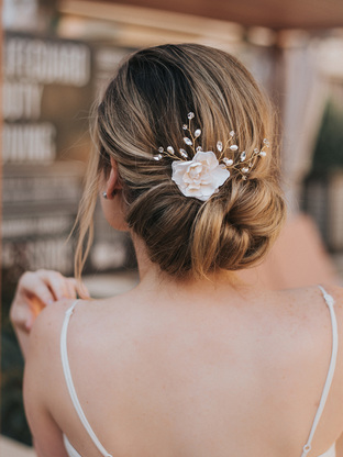 """""""Bethany"""" Bridal Hair Flower ~ White or Ivory in Silver or Gold – Kavita Pavaday"""