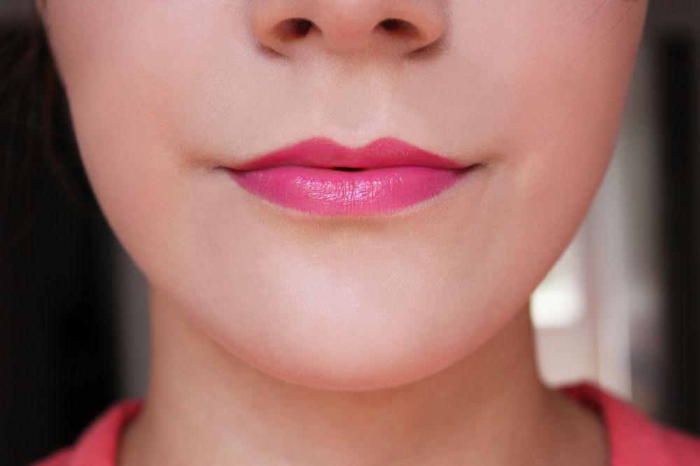Cinnamon Plumping Lip Oil by BITE Beauty #12