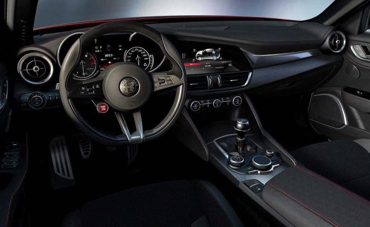 Alfa Romeo Giulia Quadrifoglio Le Carte Migliori Della Cattiva Le Carte Migliori Di Alfa Romeo Giulia Quadrifoglio La Version Alfa Romeo Auto Quadrifoglio
