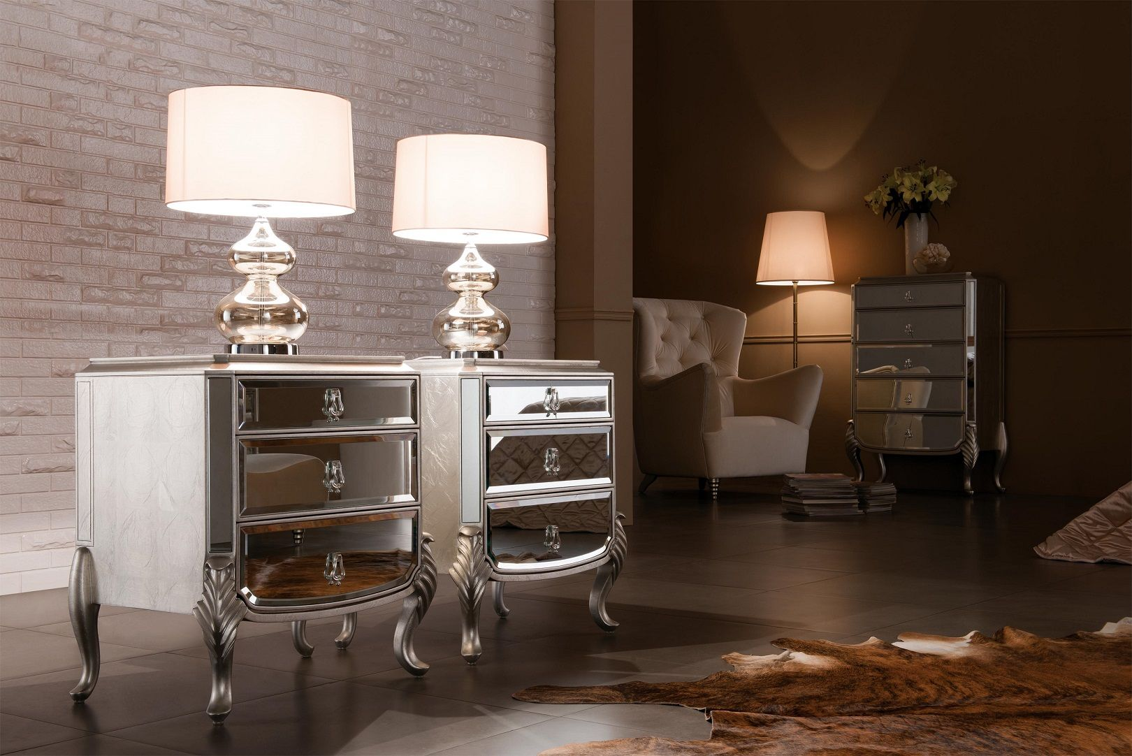 Mirrored Nightstand Florentine 画像あり