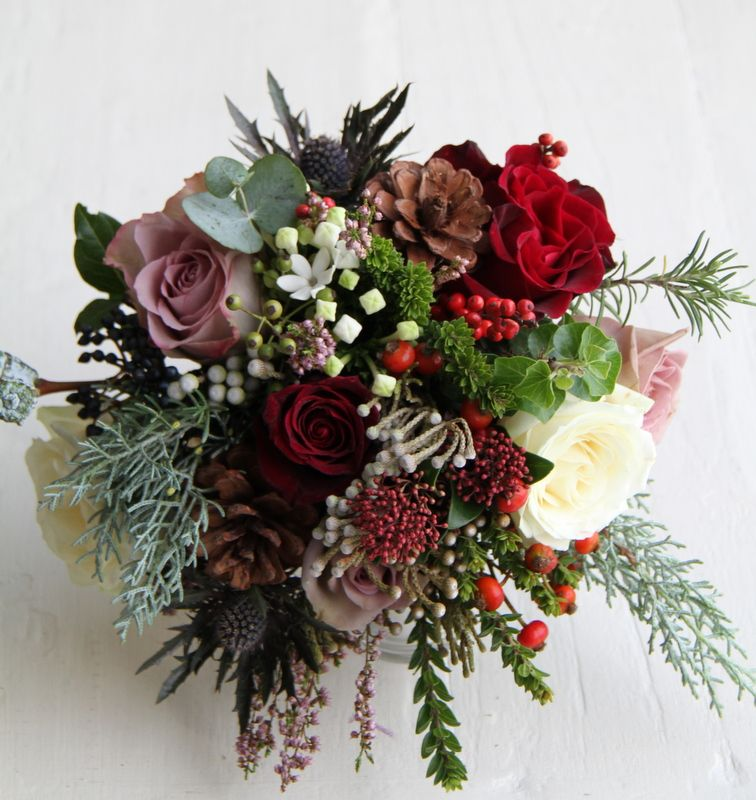Christmas Wedding Flower Ideas: Bouquet Rustic Wedding Flowers