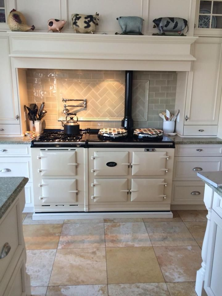 Country Cottage Kitchen English Cottage In Out Aga Kitchen