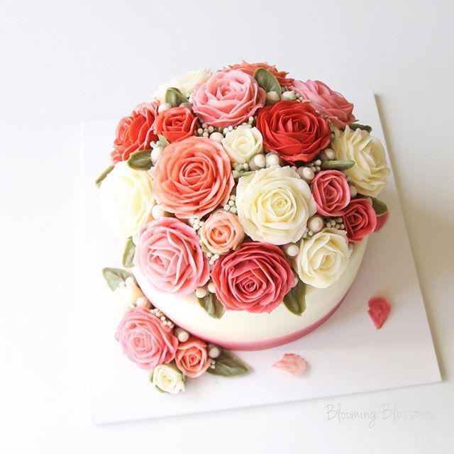 Red & Pink Rose Bouquet Customized Birthday Flower Cake! Happy ...