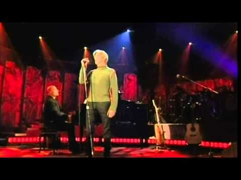 DAVID BOWIE Life On Mars (live) - YouTube