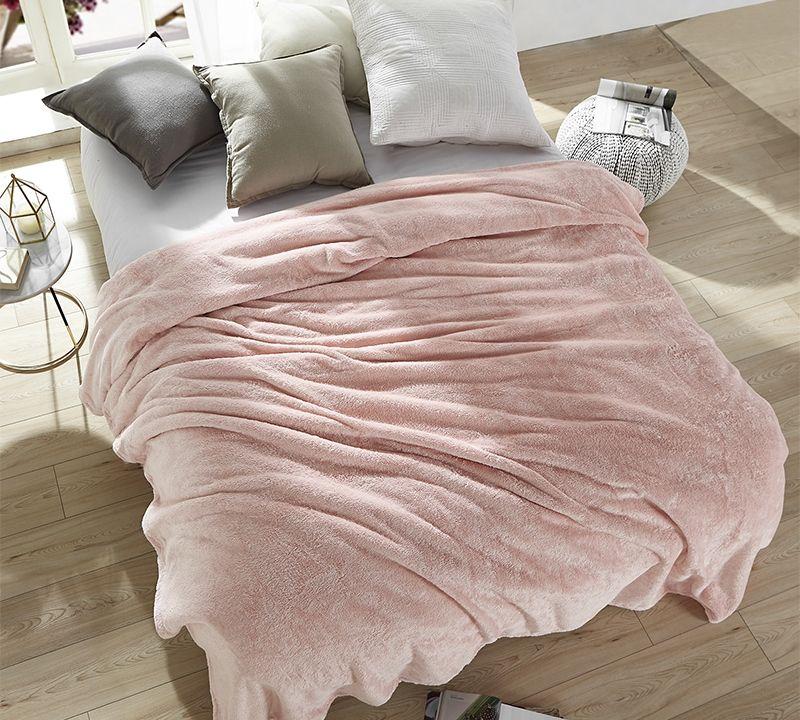 Comfortable Rose Quartz Queen Blanket Soft Me Sooo Comfy Beautiful Oversized Queen Bedding Comfy Blankets Bedroom Colors Bed Comforters