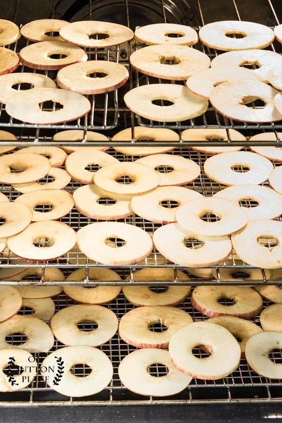 Einfacher Ofen gebackene Fuji-Apfelchips -
