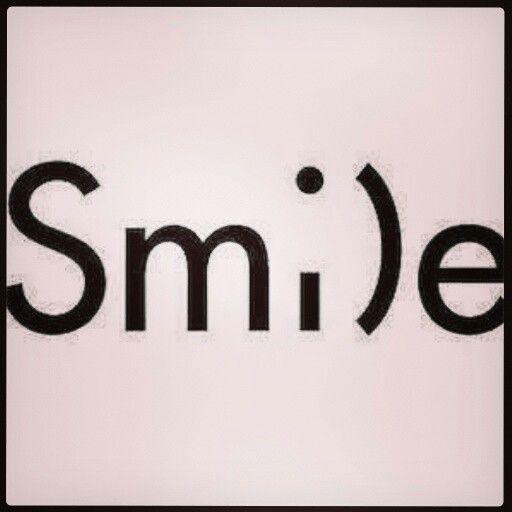 Sonríe y cambia las gafas con que miras el mundo.