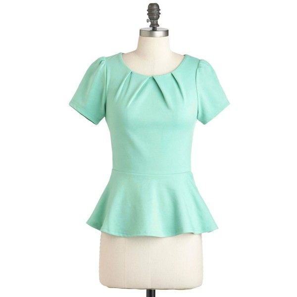 Teach for the Sky Top ❤ liked on Polyvore featuring tops, zipper top, metallic top, collar top, zip top e pleated top