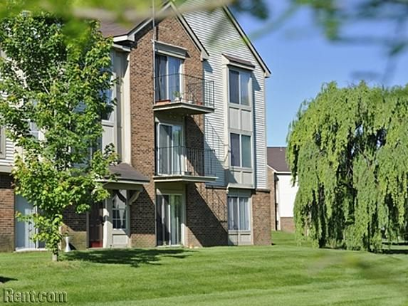 Bristol Square Golden Gate 355 Beck Road Wixom Mi 48393 Rent Com House Styles Rental Apartments Apartments For Rent