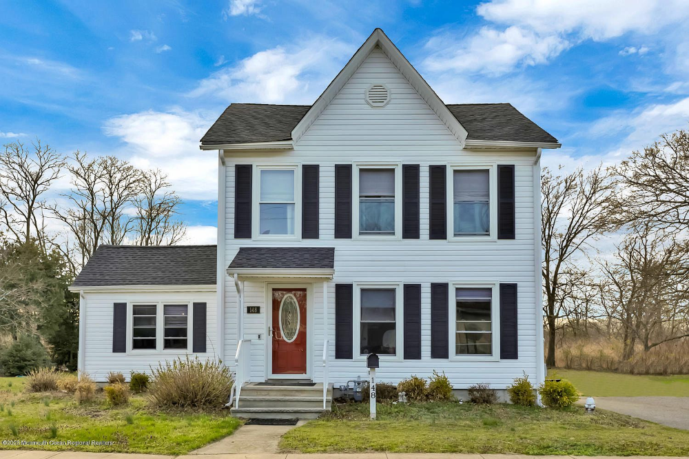 Zillow Has 27 Homes For Sale In New Jersey Matching View Listing Photos Review Sales History And Use Our Detailed Real Estate Fi Zillow Belford House Styles