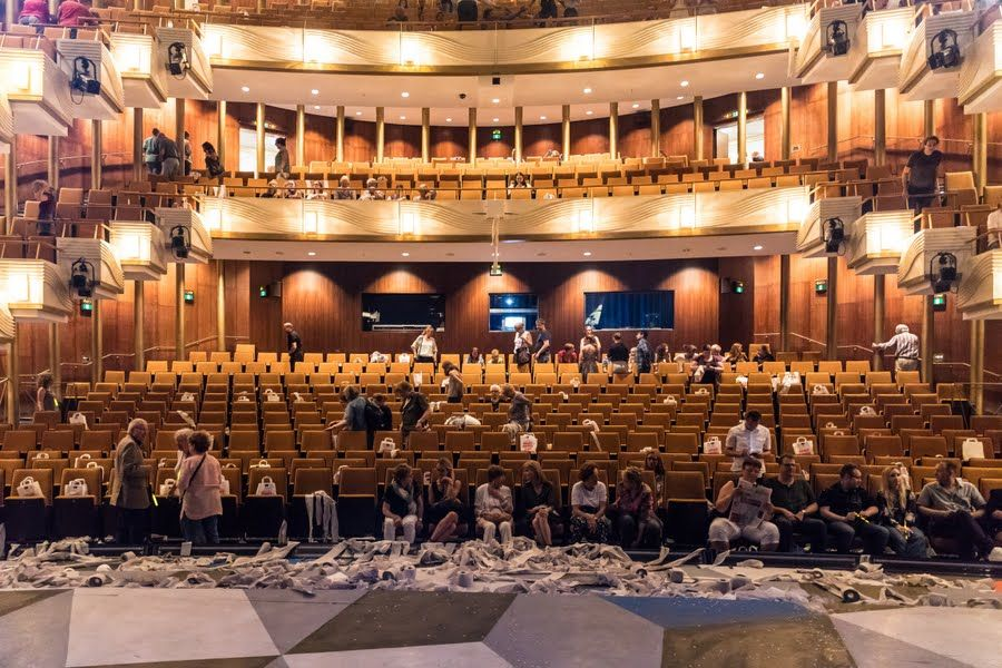 """Come take a look behind the curtains of horror! """"Die Stadtzeitung Wuppertal"""" and """"Benedikt Bergenthal Fotographie"""" feature the cult musical, playing in the opera house Wuppertal using #RIEDEL technology."""