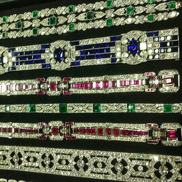 Rows upon glorious rows of art deco diamonds from @maximilianjewellery