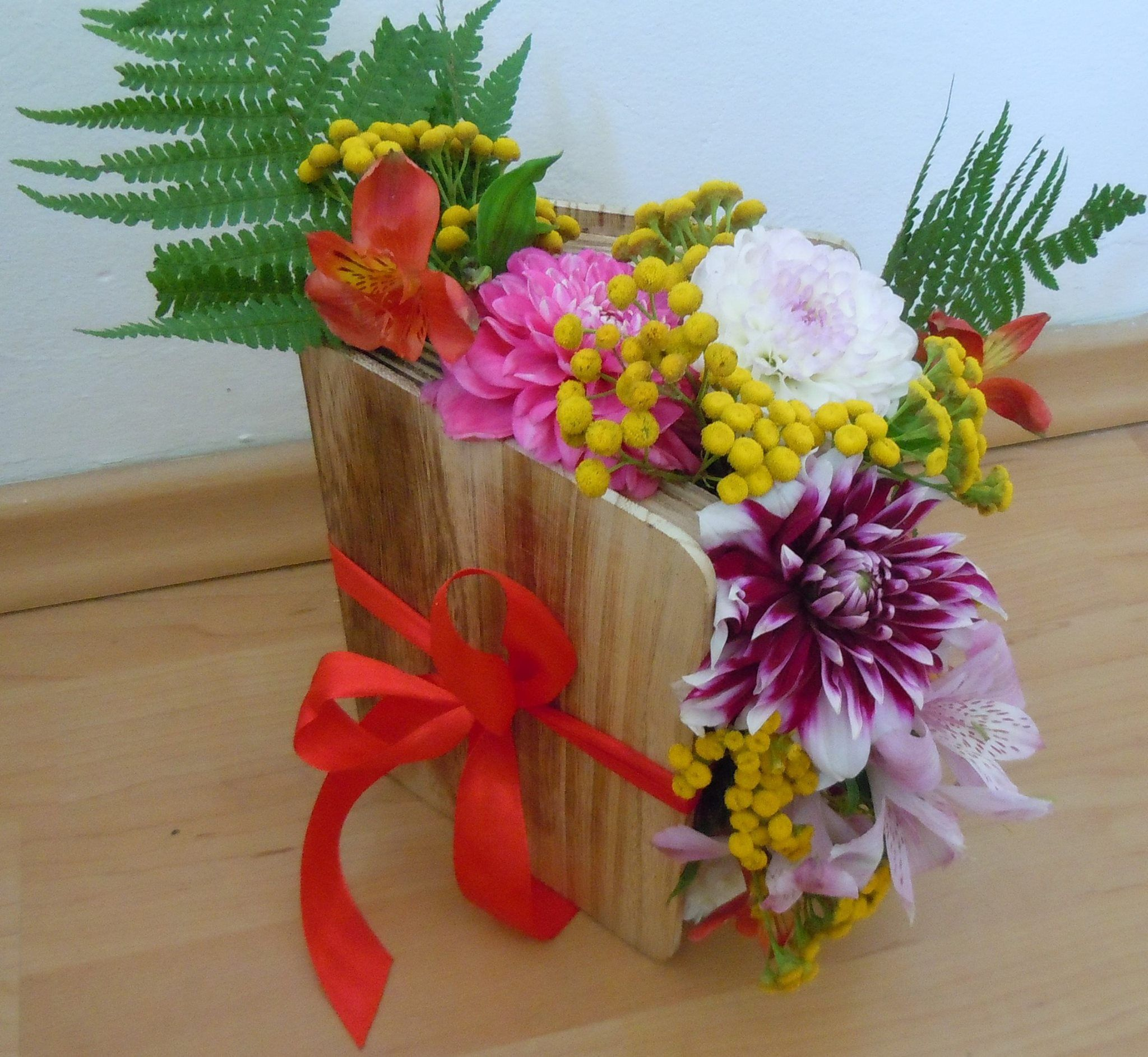 Aranjament Floral Carte Pret La Cerere Flowers In A Book