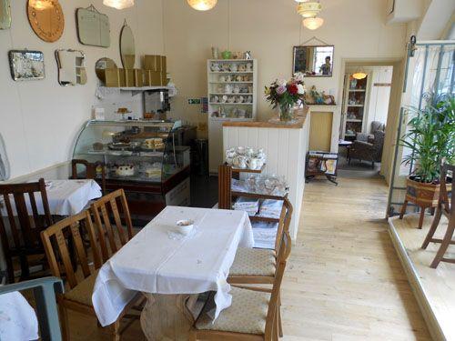 Bea 39 s vintage tea room bath tea time pinterest for Tea room interior design ideas