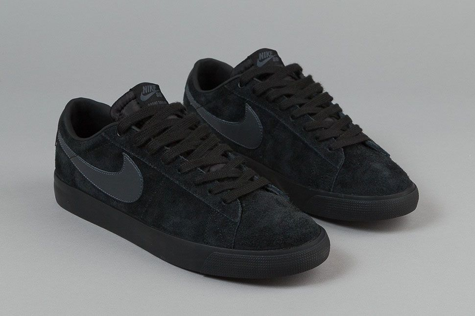 98204cece9f97 ... Black Anthracite Nike SB Blazer Low GT ...