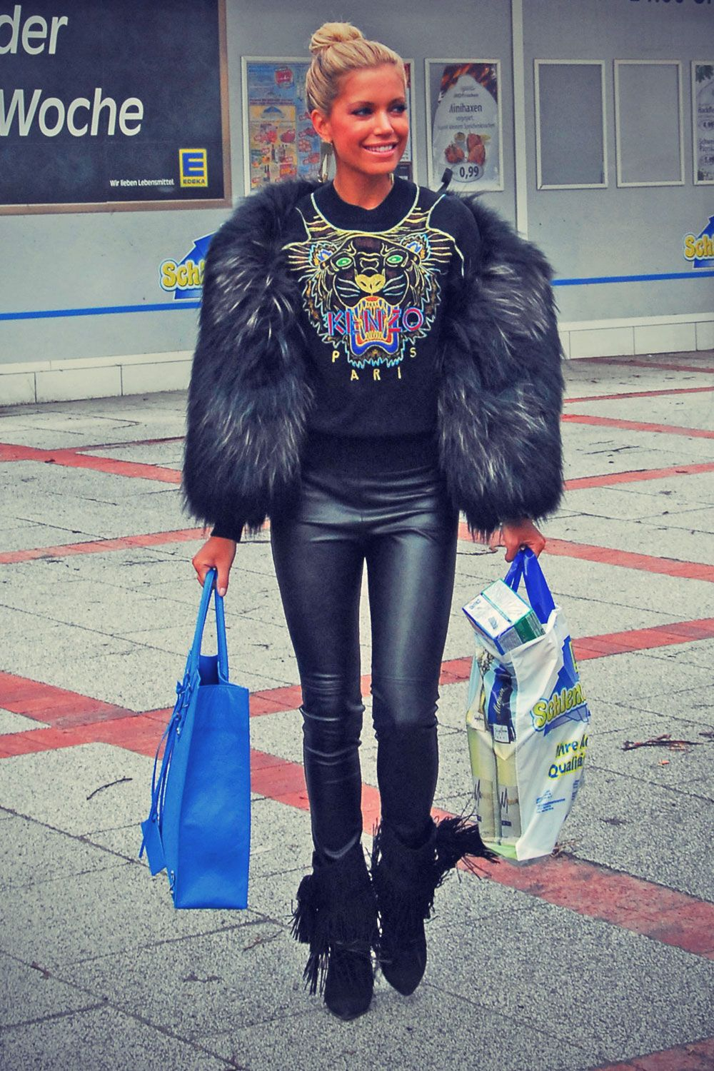 Sylvie Van Der Vaart Shopping Tour With Her Friends Please Give Me