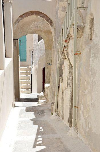 santoriniblog:  Emporio village, Santorini By greek images