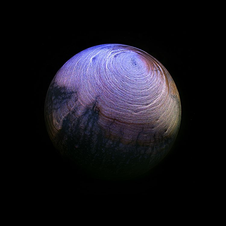 """Photo of These """"Alien Planets"""" Are Actually the Dried Remains of Whiskey"""