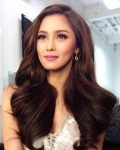 Kim Chiu Kimberly Sue Yap Chiu B 1960 Actress And Model In The Philippines Bridal Hair And Makeup Wedding Hair And Makeup Asian Bridal Makeup