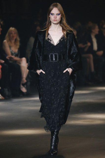 Saint Laurent, Look #39