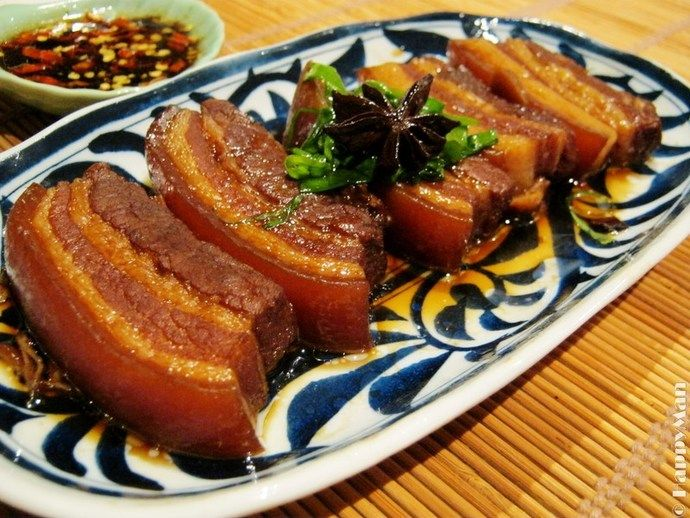 This is a famous Chinese dish. The best pork belly is that has 5 layers, with fat and lean evenly distributed in between. Mine is a little bit modified, but it is still very tender, succulent and juicy. Best serve with veggies, steamed rice or noodles. This dish is my hubby's favourite.