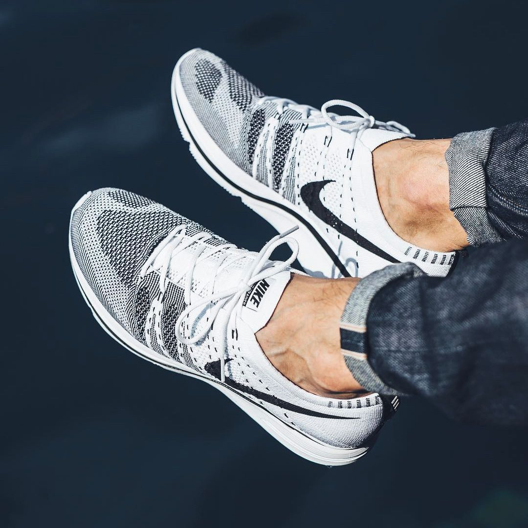 best cheap 7a90f 7e7cd Nike Flyknit Trainer - White/Black - 2017 (by titoloshop) | Shoes ...