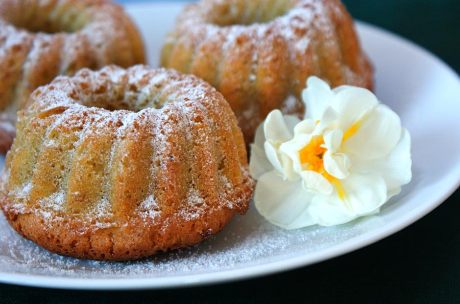 Little Pistachio and Orange Blossom Cakes