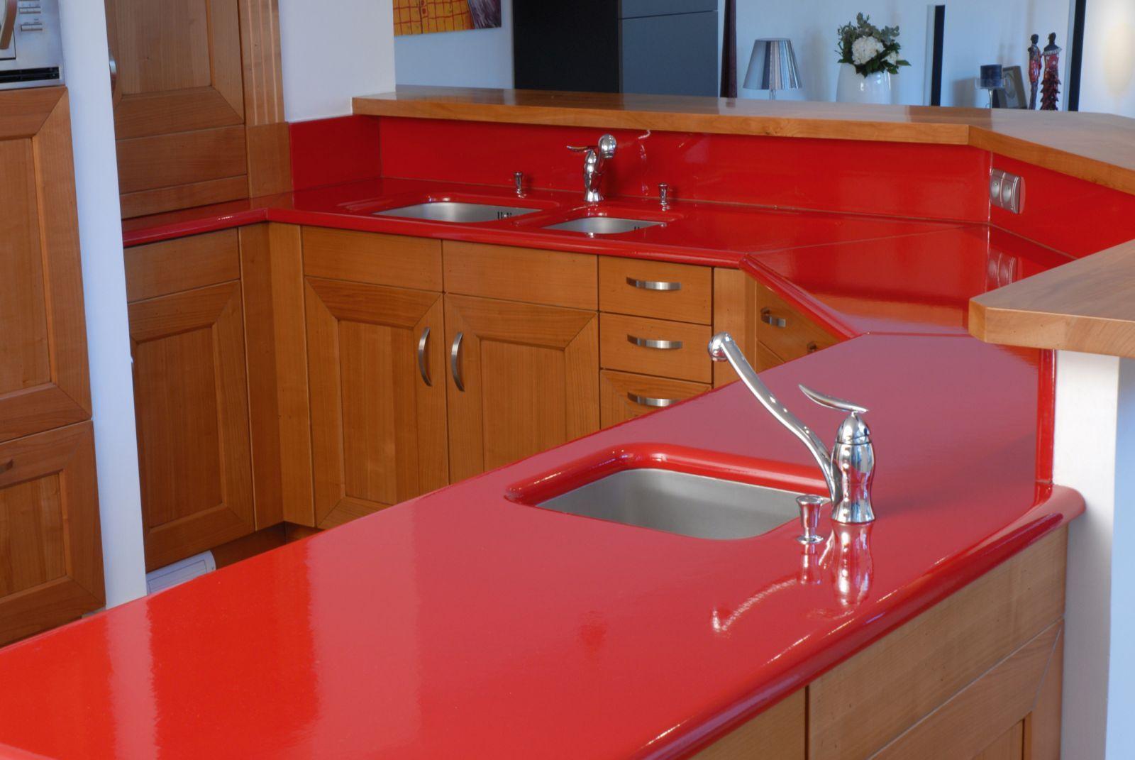 đá bàn bếp màu đỏ
