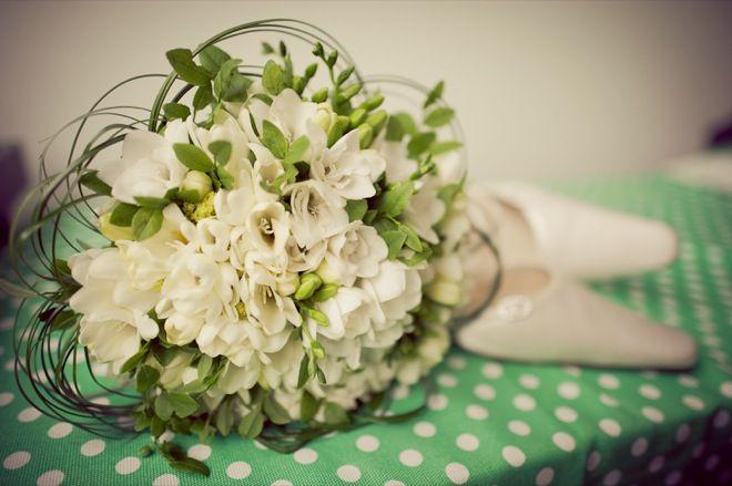 Green wedding theme. Vihreä häiden teemavärinä.