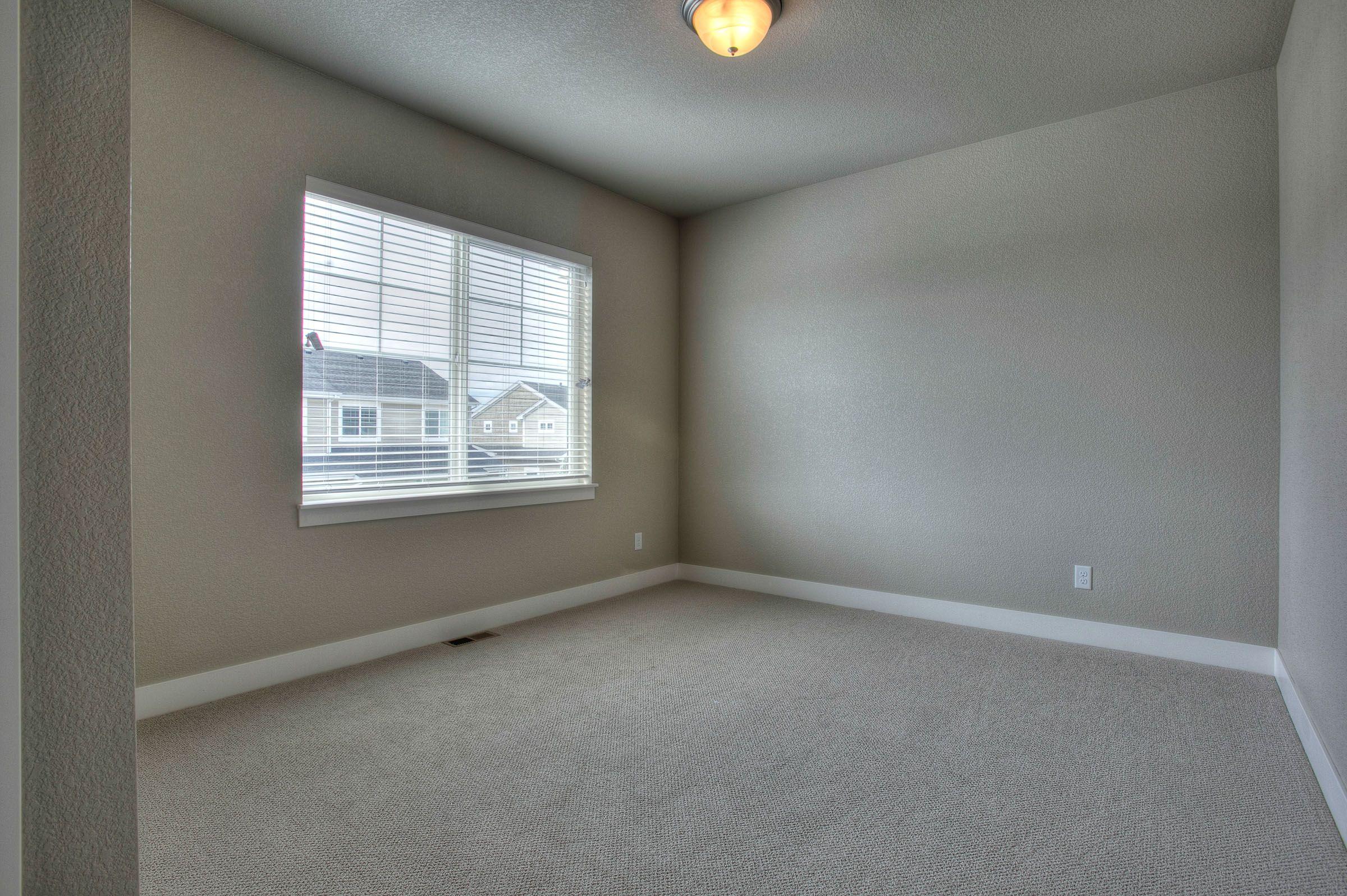 Benjamin Moore Hc172 Revere Pewter Carpet Avoca Soft Misty Morn House Rental New Homes New Home Designs