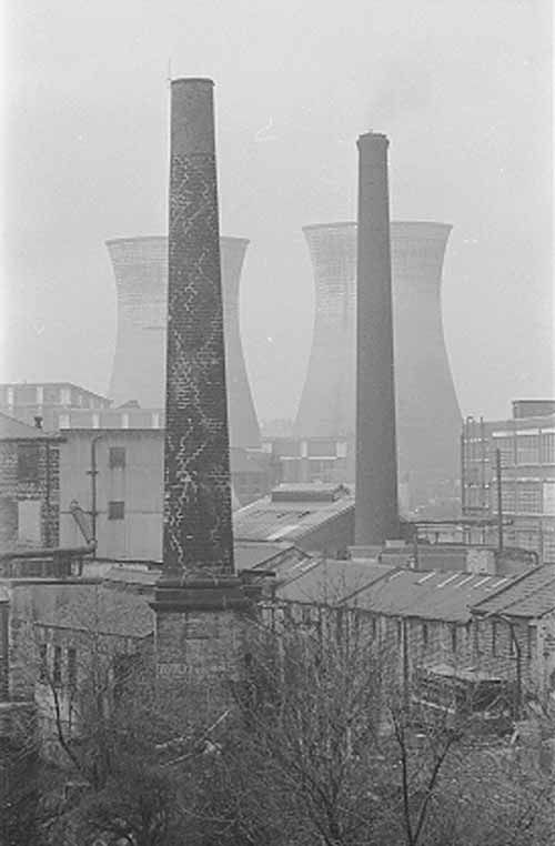 Kirkstall Power Station, cooling towers.