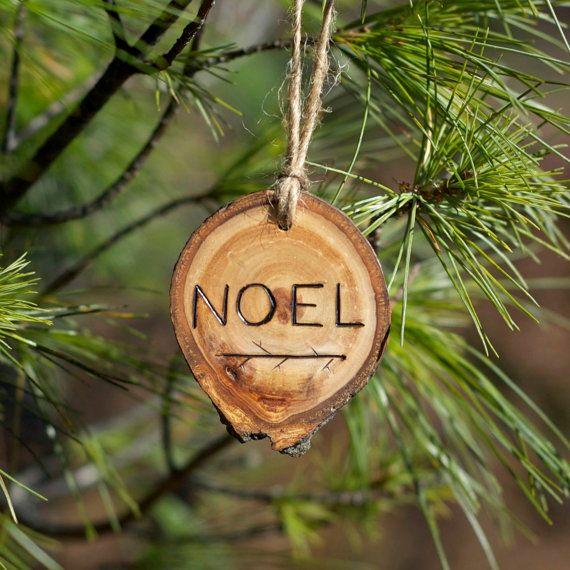 noel no l ornement bois br l branche d 39 arbre par thesittingtree mat riaux naturels bois. Black Bedroom Furniture Sets. Home Design Ideas