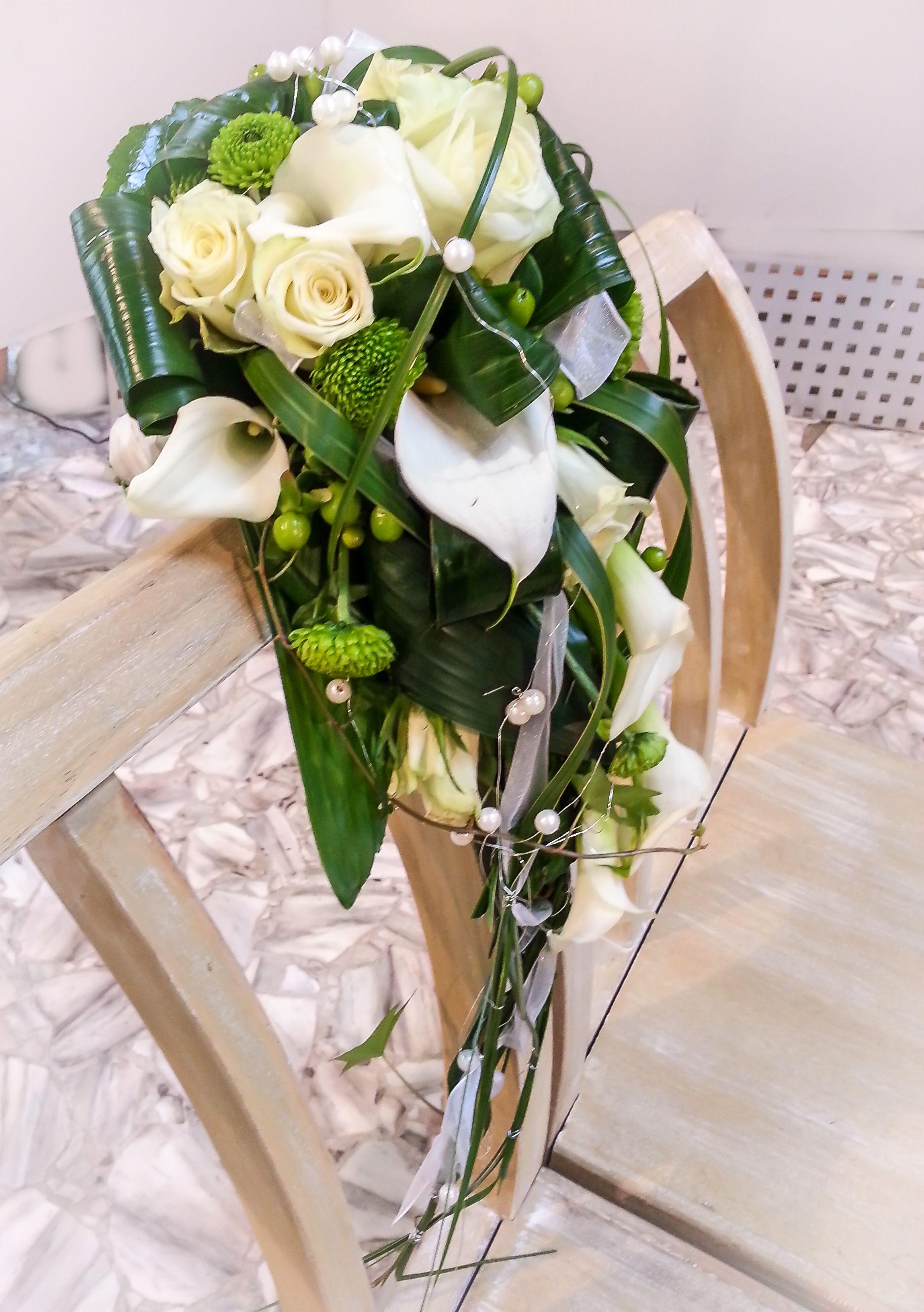 Die Linien des Glücks Hochzeit Brautstrauß Wasserfall Callas