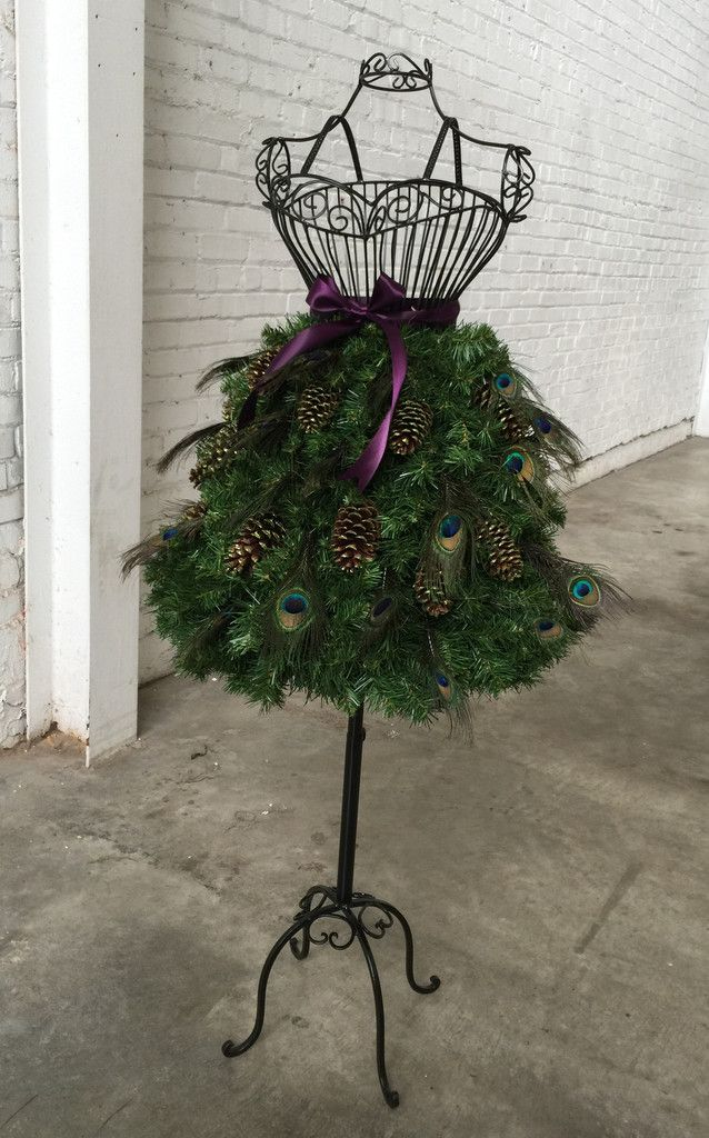 Diy Tutorial For A Christmas Tree On A Wire Dress Form Dress Form Christmas Tree Mannequin Christmas Tree Christmas Diy
