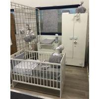 Babykamer Teuntje Wit: Ledikant, Commode en Kast