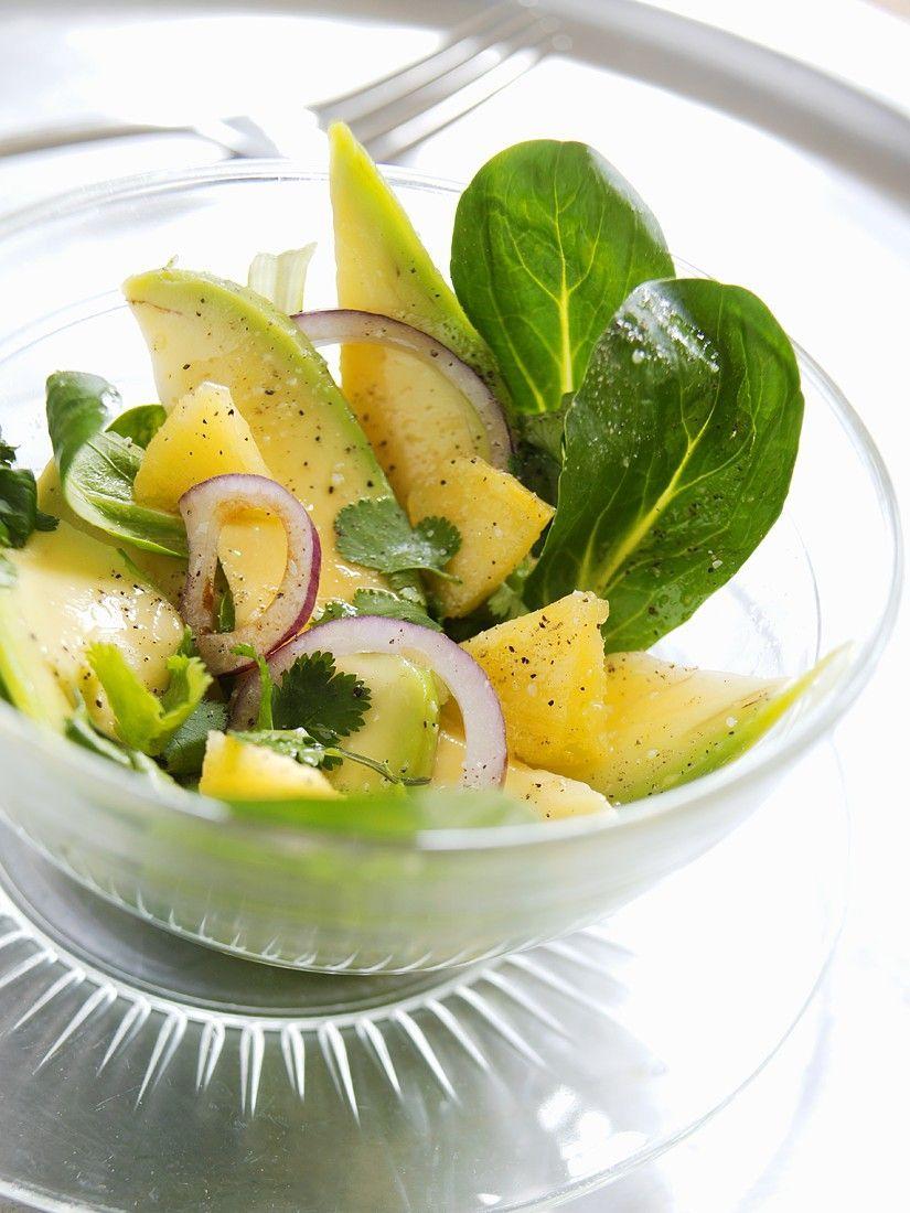 Fruchtiger Feldsalat mit Avocado - smarter - Zeit: 30 Min. | eatsmarter.de