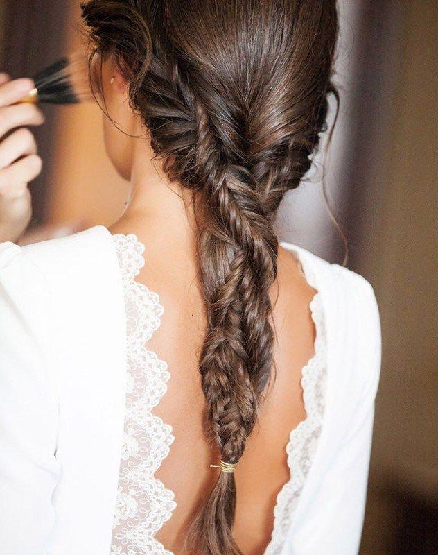 Acconciatura capelli medi treccia