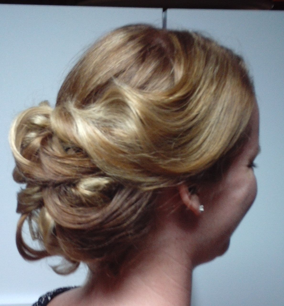 bridesmaid hair by rochelle noone, on location pittsburgh pa stylist