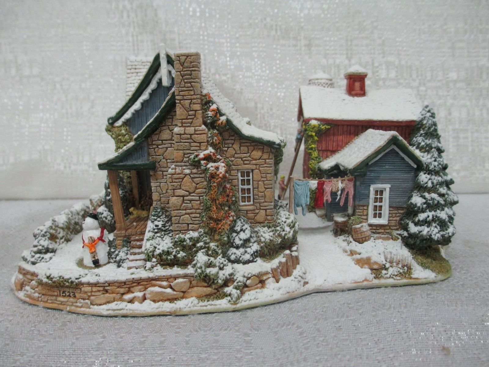 Lilliput Lane Home For The Holidays American Landmark Collection 519 1996 Deed American Landmarks Christmas Villages Glitter Houses