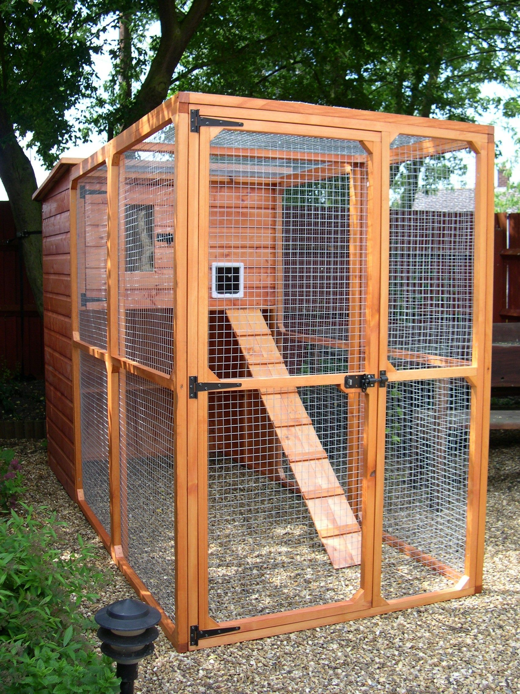 The Ellis Outdoor Cat House and Cat Run Outdoor cat run