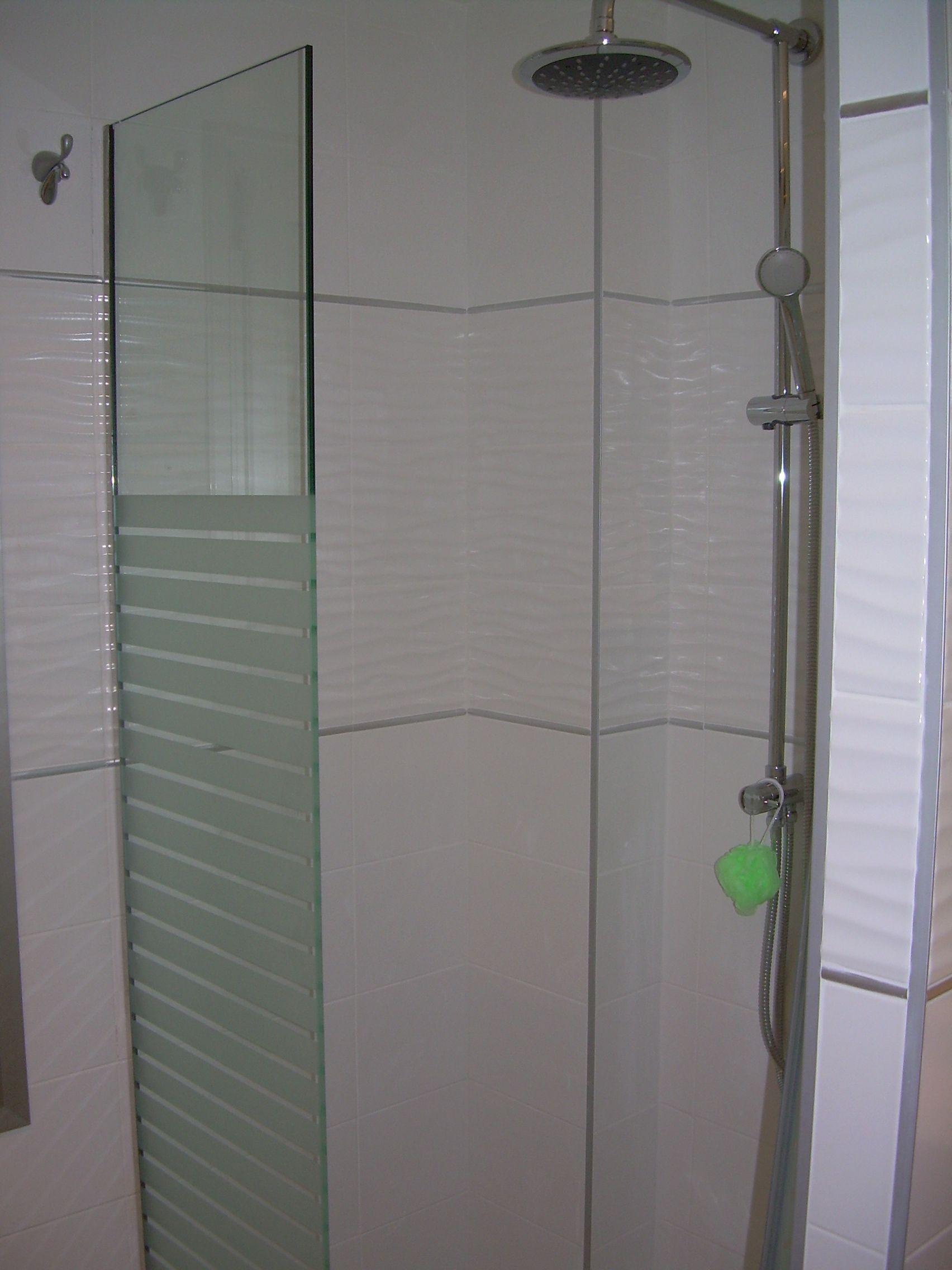 Nuevos cuartos de baño con platos de ducha de obra
