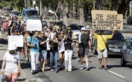 Manifestantes fazem caminhada pela Lagoa em protesto contra falta de segurança (Crédito: Fábio Rossi / Agência O Globo)