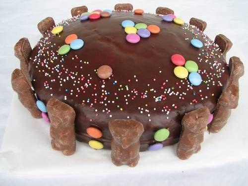 Decorer Joyeux Anniversaire Sur Gateau Au Chocolat