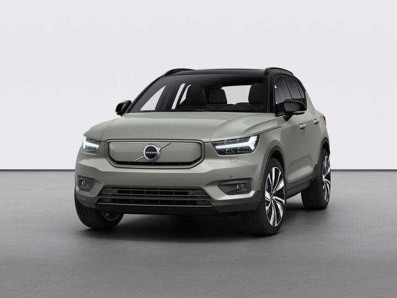 Volvo Reveals Its First Electric Car The Xc40 Recharge Coming In Late 2020 With Images Volvo Electric Cars Car