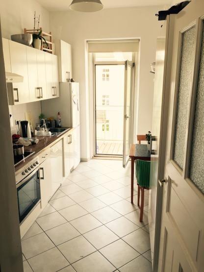 gem tliche wg k che in sch ner altbauwohnung wohnen in m nchen neuhausen nymphenburg. Black Bedroom Furniture Sets. Home Design Ideas