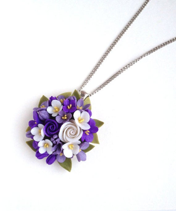 Articulos Similares A Purple White Flower Pendant Necklace Floral Rose Cameo Polymer Clay Lilac F Polymer Clay Flower Jewelry Polymer Clay Jewelry Clay Jewelry