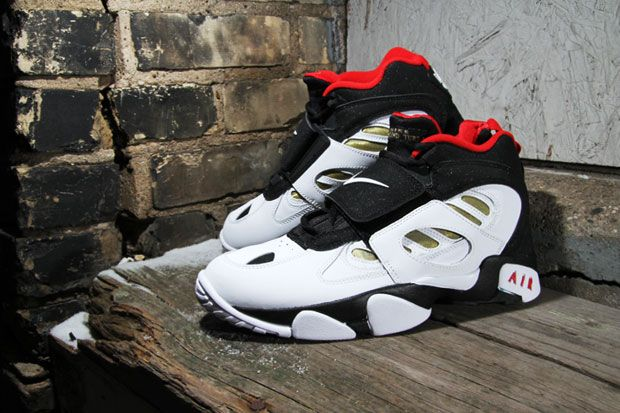 72865d6b70e Nike Air Diamond Turf 2 Red Release - Musée des impressionnismes Giverny