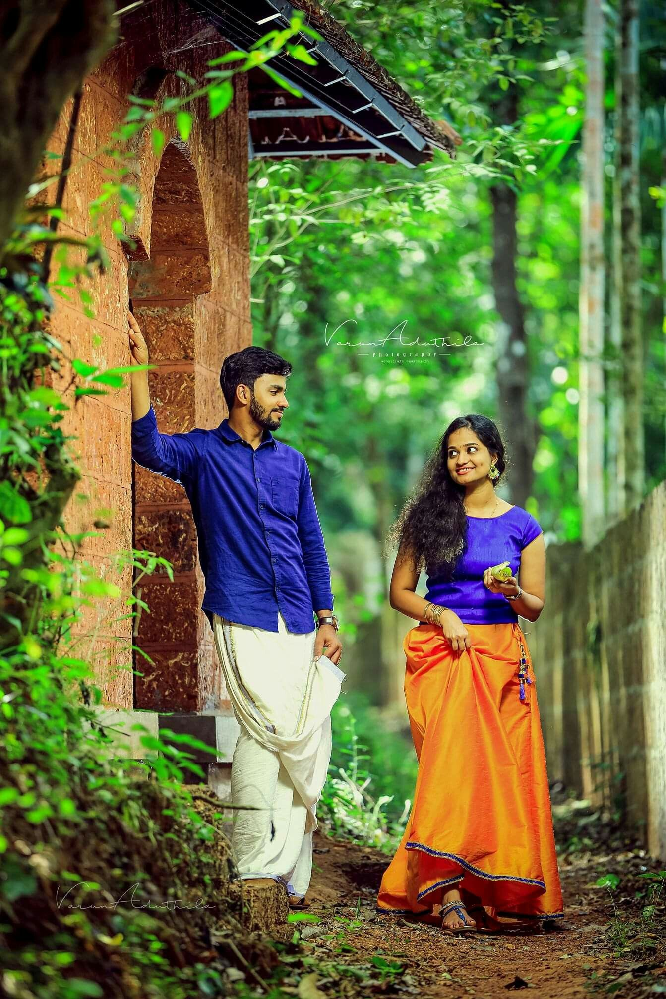 Budding Kerala Romance Indian Wedding Couple Photography Indian Wedding Photography Couples Kerala Wedding Photography