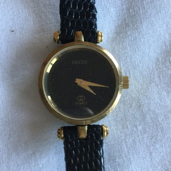 61a2fcadc0a Authentic vintage Gucci women s watch Authentic vintage woman s Gucci watch  still has the original watch band